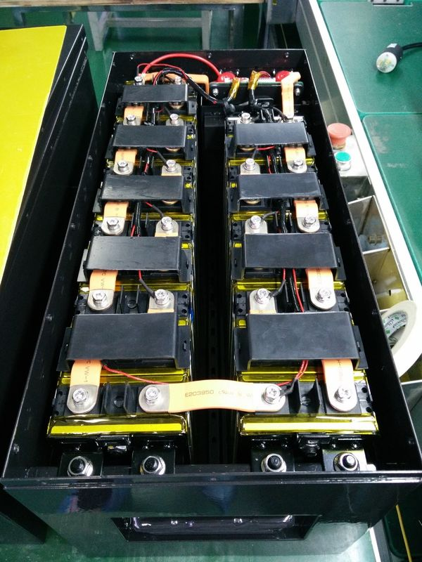 China IP65 Golf Buggy Batteries , Lifepo4 60V 50Ah Lithium Ion Rechargeable Battery factory
